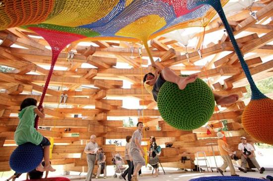 Toshiko_horiuchi_crochet_playground_4