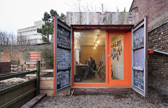 Round up shipping container living very sarie for Extension container