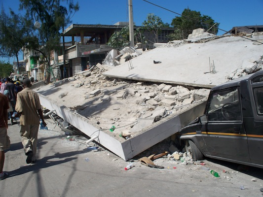 haiti earthquake collapse.jpg