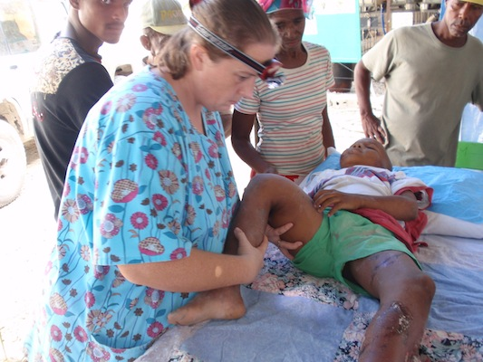 haiti earthquake doctor.jpg