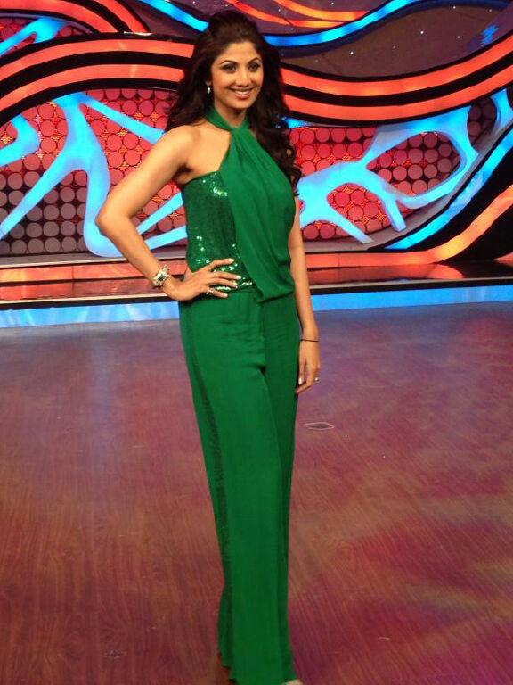 45b0a08d8d ... Baliye 6 Replica Shilpa Shetty Sarees, Bollywood Sarees Buy Apparel, Shilpa  Shetty In Green Net Saree In Nach Baliye 6 Online, Shilpa Shetty In Sari